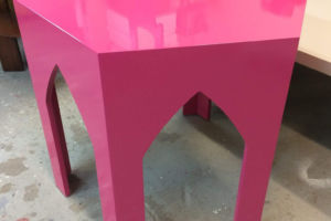 Pink high-gloss lacquered accessory table