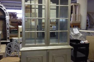 Silverleaf china cabinet